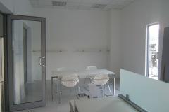 29-sala-14-foto-3-piano-scrivania-180x160-gonfiato-perche-bagnato